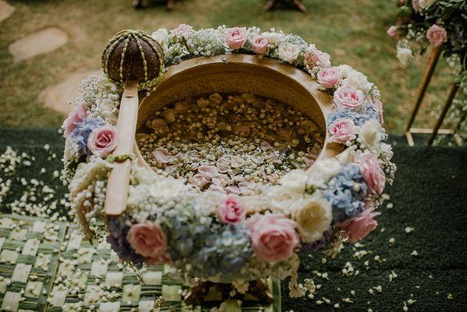 JAVANESE TRADITIONAL TINGKEBAN by Bali Izatta Wedding Planner & Wedding Florist Decorator - 002