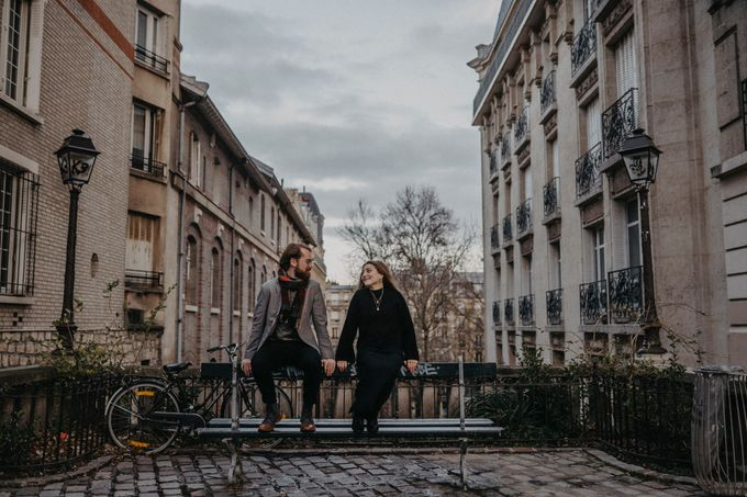 Intimate Couple Photoshoot In Paris by Février Photography | Paris Photographer - 012