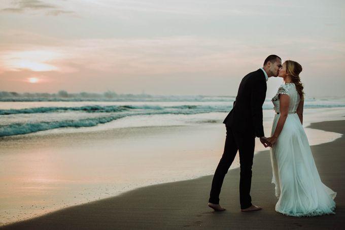 Intimate post wedding session of Corina & Razvan by Ario Narendro Photoworks - 018