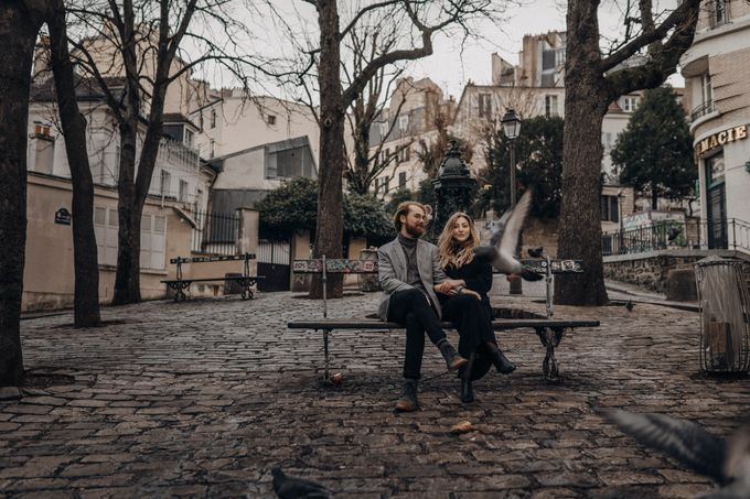 Intimate Couple Photoshoot In Paris by Février Photography | Paris Photographer - 010