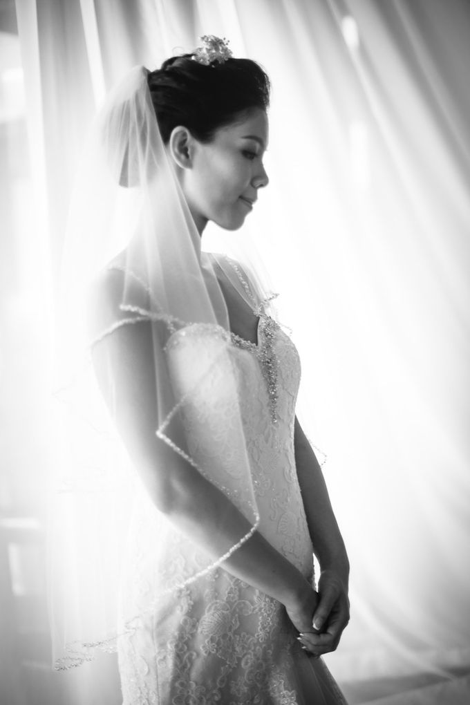 Agnes & Andy, INTERCONTINENTAL DANANG, VIETNAM by Tim Gerard Barker Wedding Photography & Film - 007