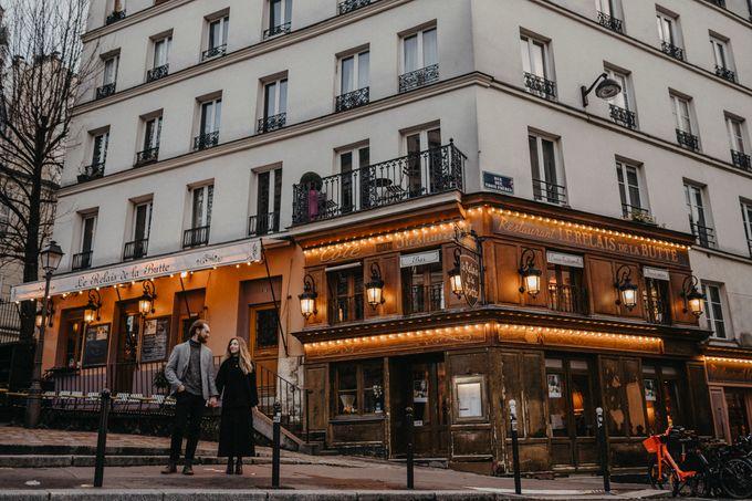 Intimate Couple Photoshoot In Paris by Février Photography | Paris Photographer - 008