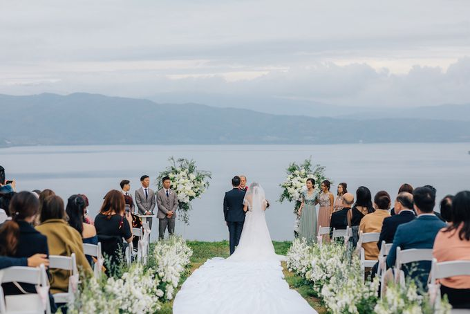 Cliff Top Ceremony by LANDRESS WEDDING - 001