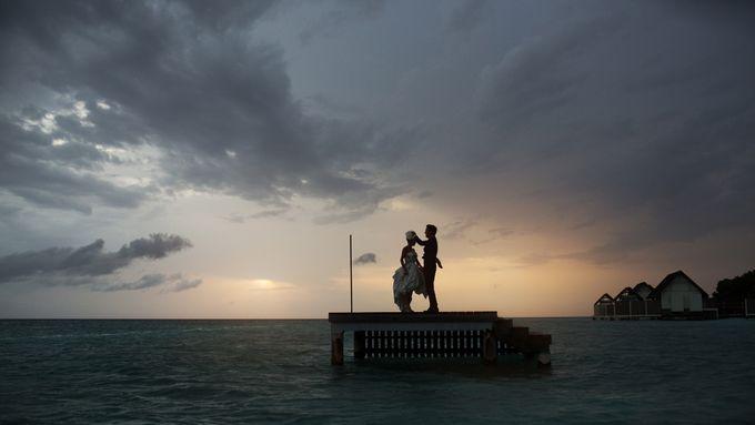It's the Maldives! by thegaleria - 011