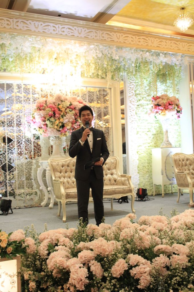 MC Wedding Red Top Hotel Jakarta - Anthony Stevven by Pelangi Cake - 004