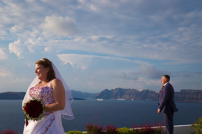 Beach wedding in Santorini by Red Knot Weddings & Events - 004