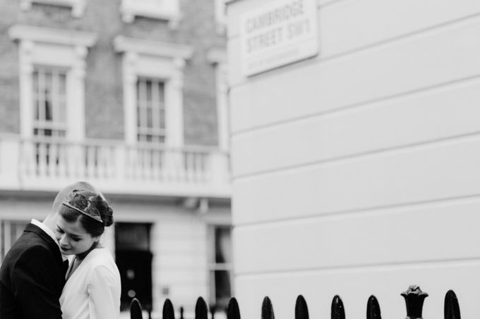 Pre Wedding Shoot in London by Cinzia Bruschini Photography - 016