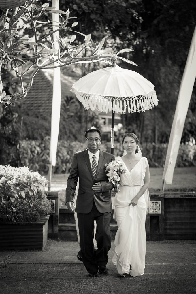 Simple yet intimate Wedding by Ario Narendro Photoworks - 009