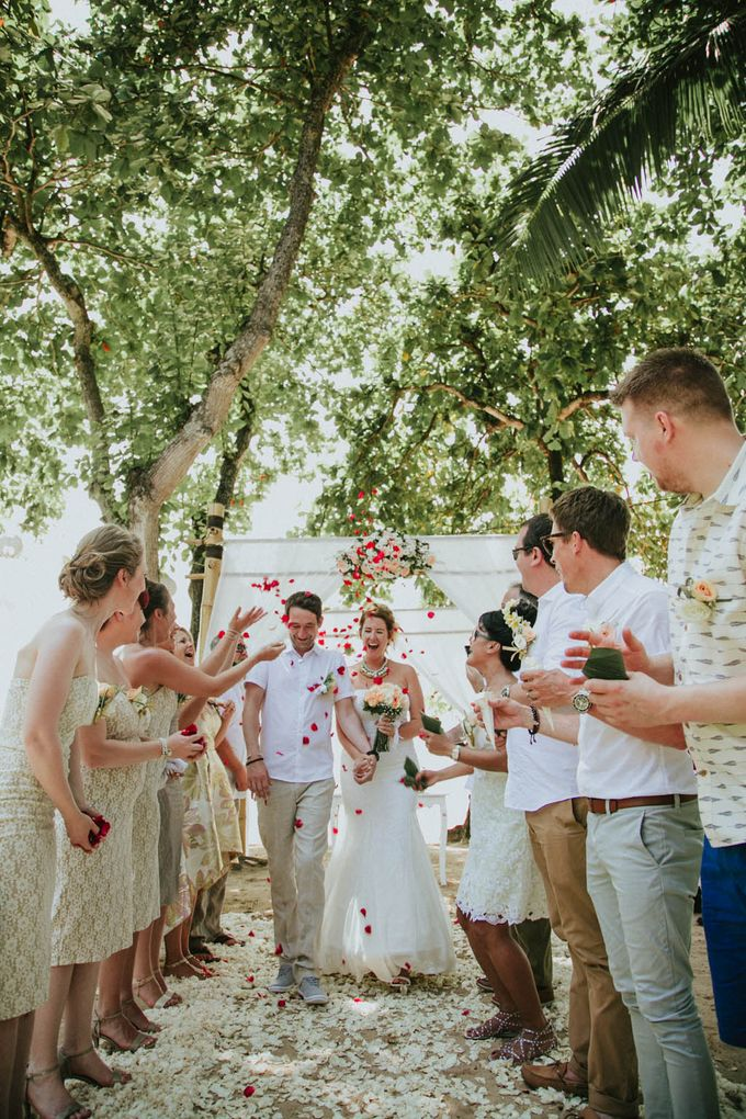 Romantic beach front wedding of Allan & Emma by Ario Narendro Photoworks - 026