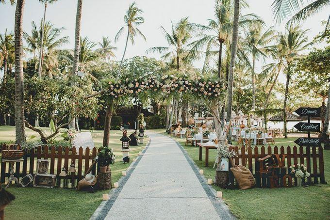 Rustic Decoration by Bali Izatta Wedding Planner & Wedding Florist Decorator - 005