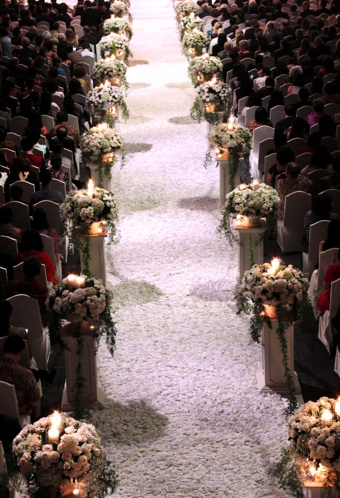 John and Xuan Wei's Holy Matrimony by Amarillis Floral and Party Decorator - 002