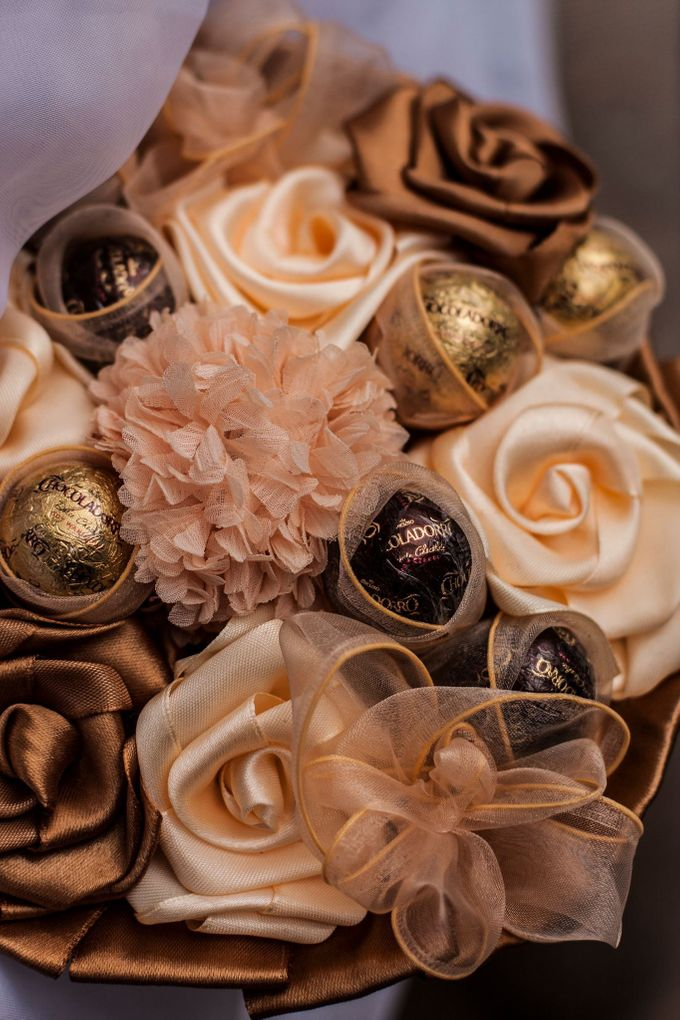 Chocolate Bridal Brooch Bouquet by Marini Bouquets - 004