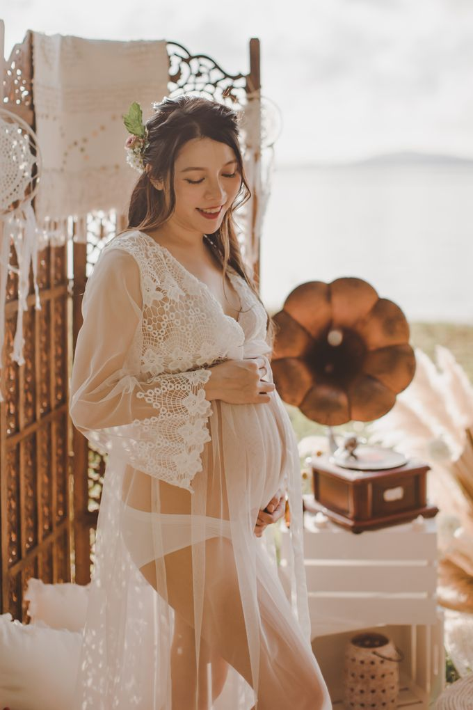 Bohemian Beach Picnic Styled Shoot by Whimsey June - 001