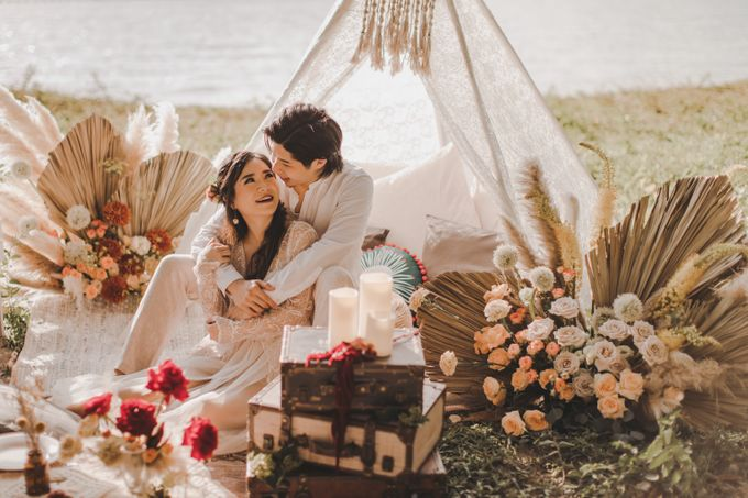Bohemian Beach Picnic Styled Shoot by Whimsey June - 011