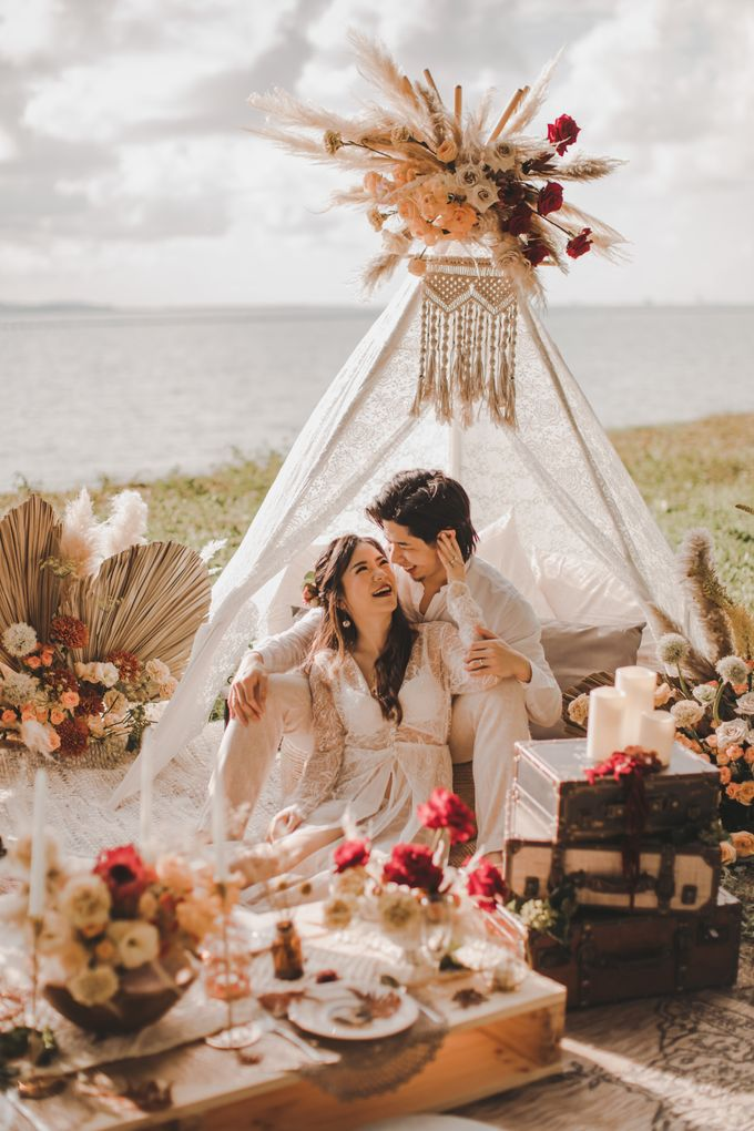 Bohemian Beach Picnic Styled Shoot by Whimsey June - 012