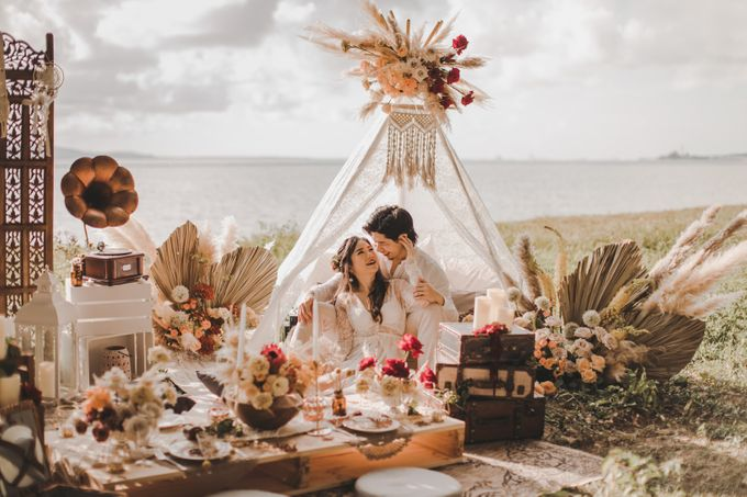 Bohemian Beach Picnic Styled Shoot by Whimsey June - 013
