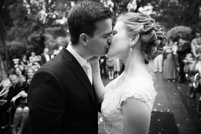 Sam & Louise, The Willows,  Melbourne, Australia by Tim Gerard Barker Wedding Photography & Film - 010