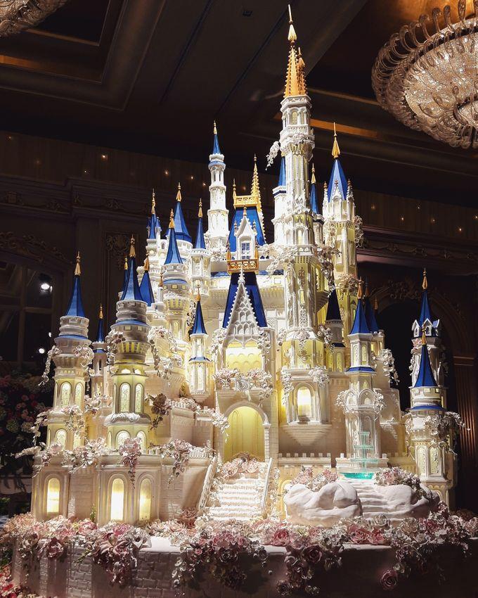 Masterpiece and Signature Wedding Cakes by LeNovelle Cake - 027