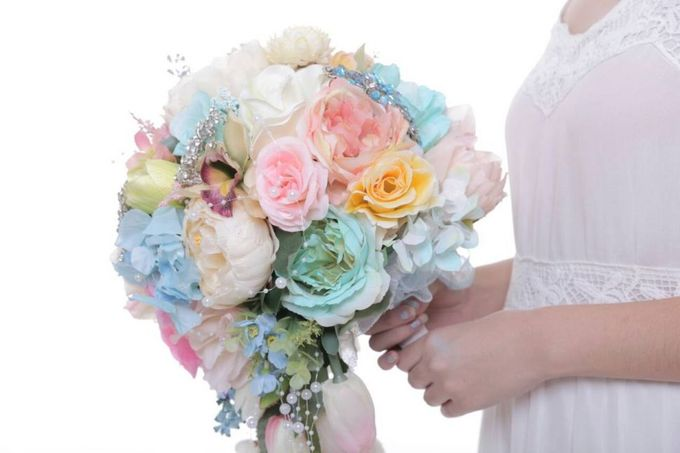 ENCHANTED WEDDING BOUQUET by LUX floral design - 038