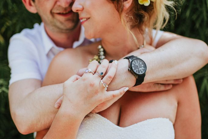 Romantic beach front wedding of Allan & Emma by Ario Narendro Photoworks - 031
