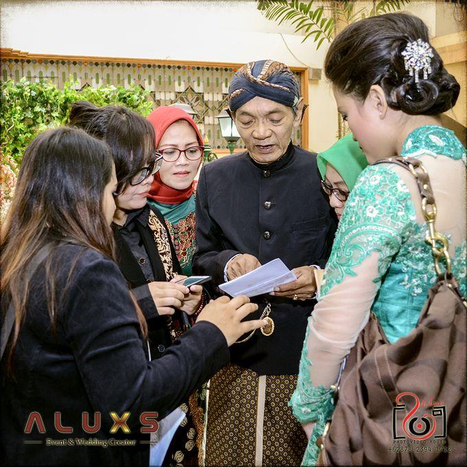The Wedding of Santa & Khresna by Alux's Event & Wedding Creator - 048