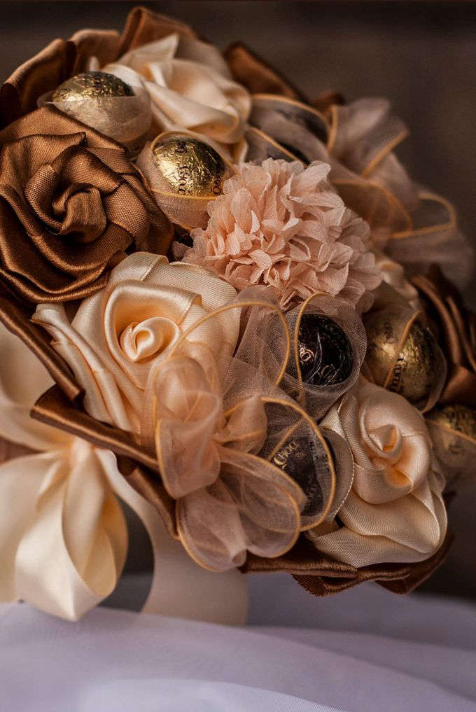 Chocolate Bridal Brooch Bouquet by Marini Bouquets - 005