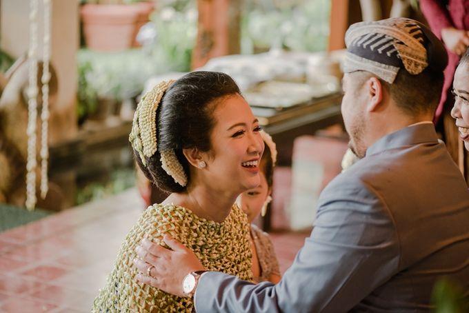 JAVANESE TRADITIONAL TINGKEBAN by Bali Izatta Wedding Planner & Wedding Florist Decorator - 005