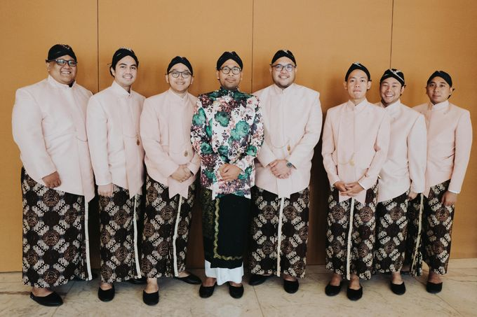 Javanese Traditional Wedding Theme at Dharmawangsa Hotel by Terralogical - 046