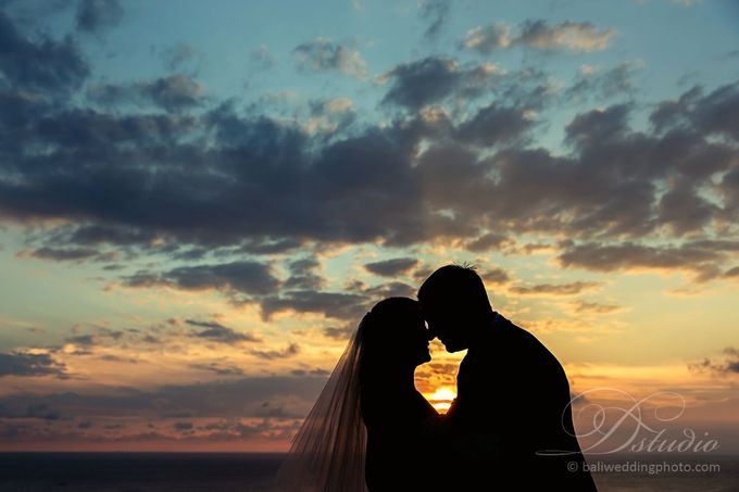 Tracey and Steve Wedding Day at The Istana Uluwatu by D'studio Photography Bali - 028