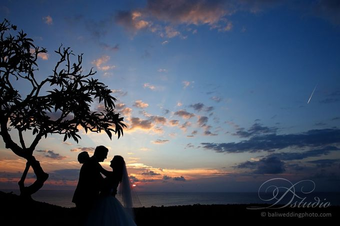 Tracey and Steve Wedding Day at The Istana Uluwatu by D'studio Photography Bali - 030