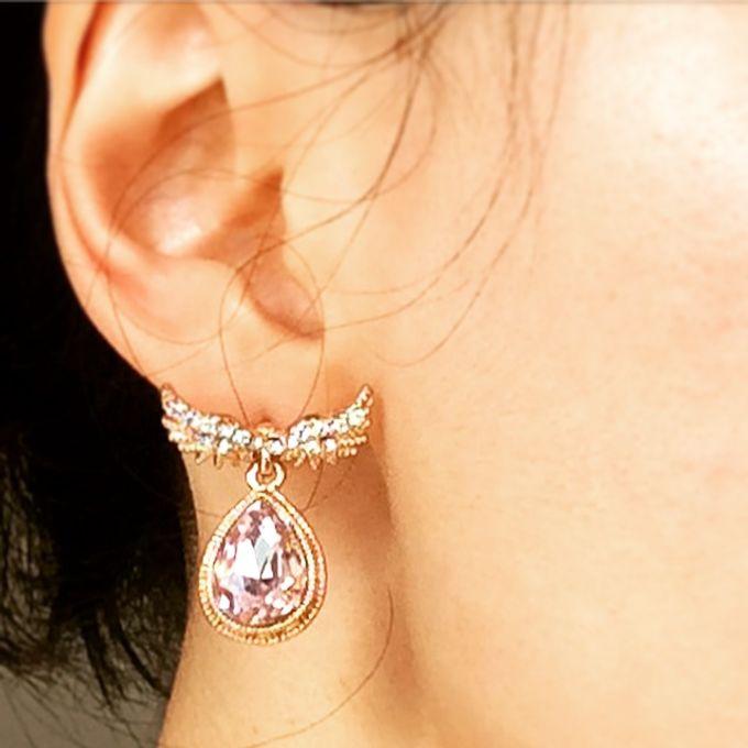 Classy, elegant jewellery items by Toko Kurio - 002