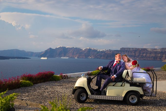 Beach wedding in Santorini by Red Knot Weddings & Events - 007