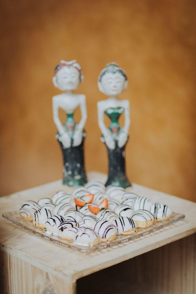 Javanese Traditional Wedding Theme at Dharmawangsa Hotel by Terralogical - 039