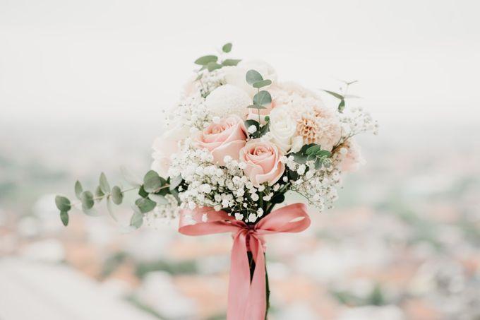 The Wedding of Bella & Ryan by Benoite Florist - 004