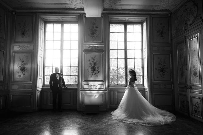 Exclusive Paris Pre Wedding Photo Shoot at Château de Fontainebleau by Février Photography   Paris Photographer - 005