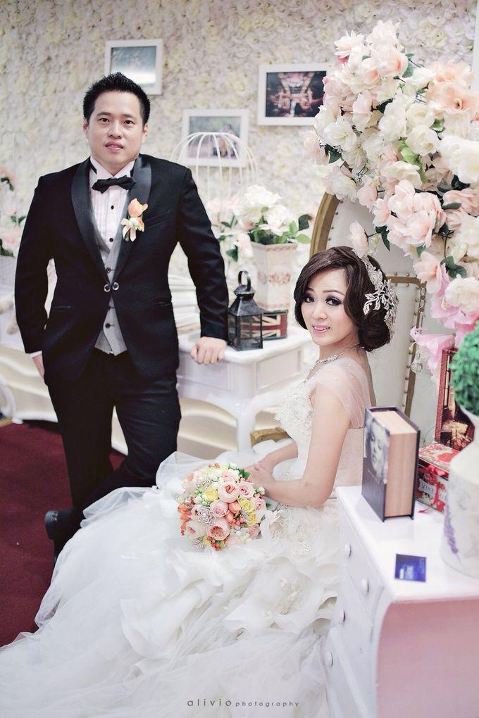 Hendra + natalie   wedding by alivio photography - 019