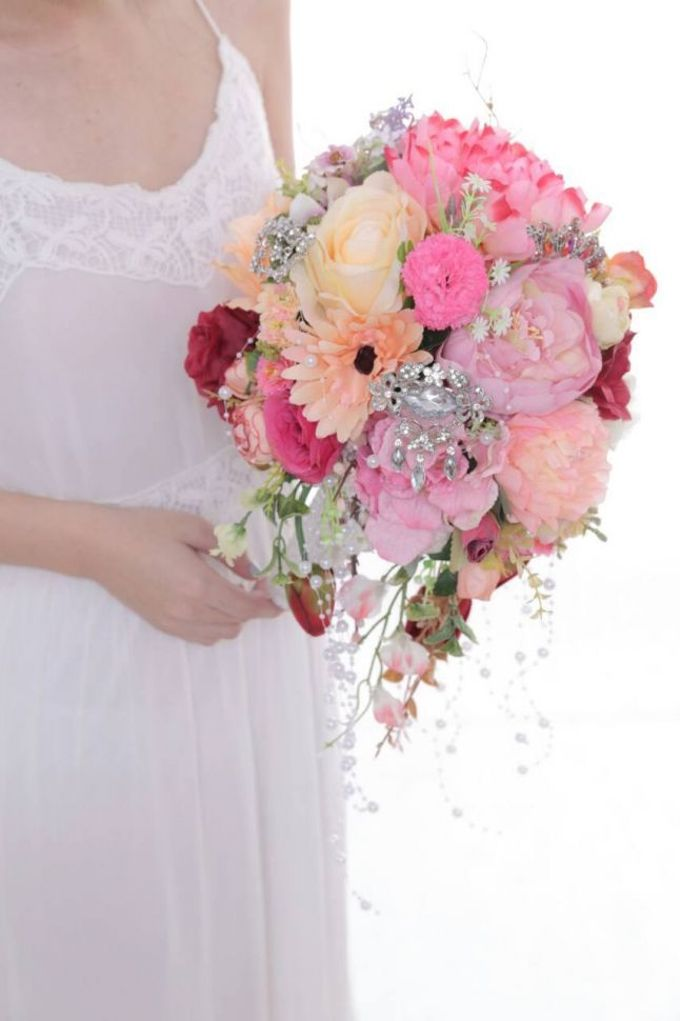 ENCHANTED WEDDING BOUQUET by LUX floral design - 005