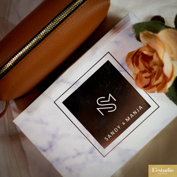 Favor & Gifts: Card Holder & Pouches by L'estudio - 003