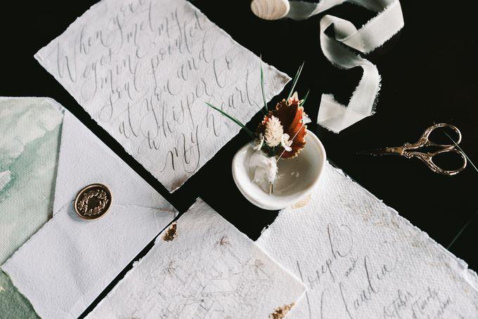 Pernikahan dengan tema ramah lingkungan, dengan keluarga dan teman dekat ditambah dengan dekorasi yang selaras dengan alam membuat pernikahan ini spec by Atelier Plum - 007
