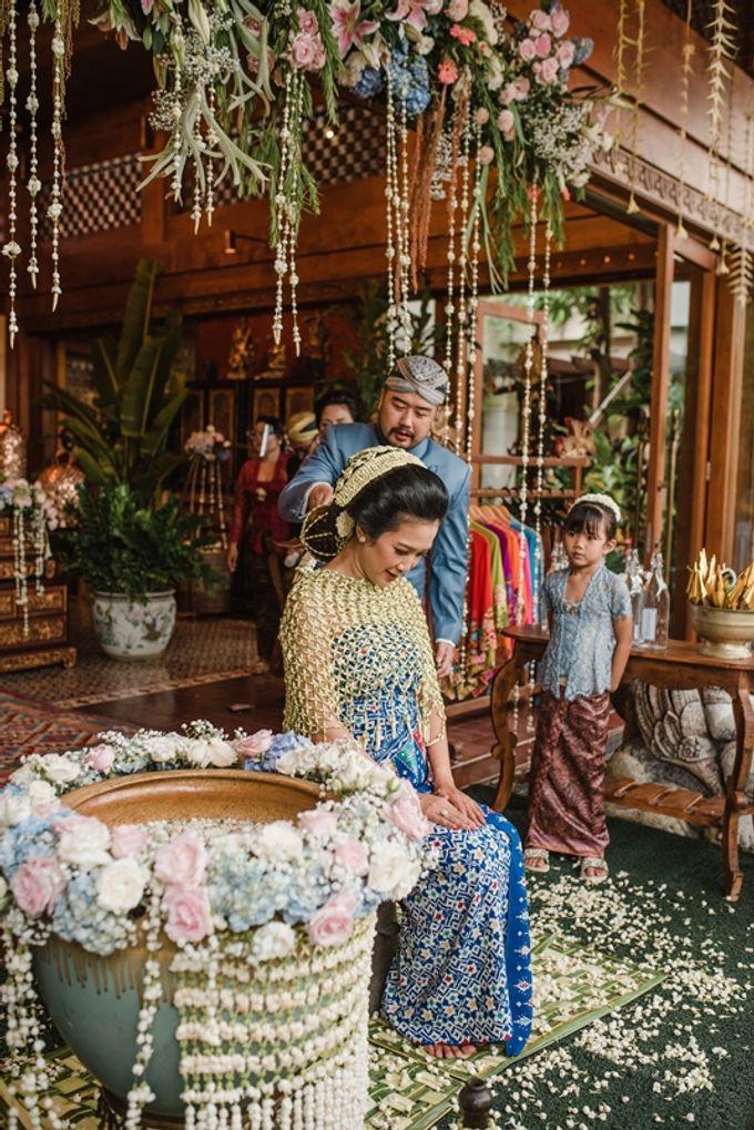 JAVANESE TRADITIONAL TINGKEBAN by Bali Izatta Wedding Planner & Wedding Florist Decorator - 007