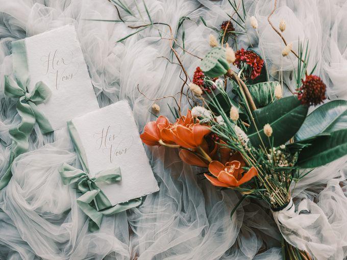 Pernikahan dengan tema ramah lingkungan, dengan keluarga dan teman dekat ditambah dengan dekorasi yang selaras dengan alam membuat pernikahan ini spec by Atelier Plum - 006