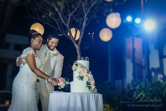 Tenniel and Dean Wedding by D'studio Photography Bali - 035