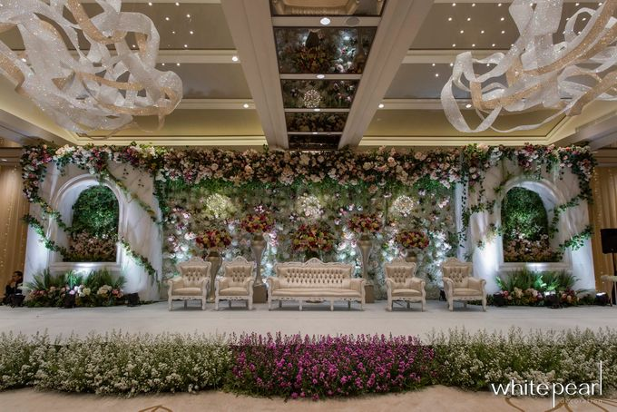 Ayana Mid Plaza 2018 09 21 by White Pearl Decoration - 005