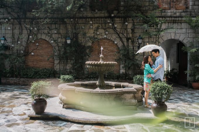College Sweethearts  School Themed Engagement session with an Elegant twist by Bride Idea - 001