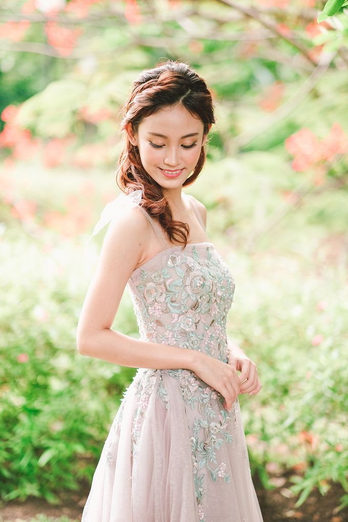 Wildflower Meadow Themed Bridal Shoot at Fort Canning Park by Jen's Obscura (aka Jchan Photography) - 002