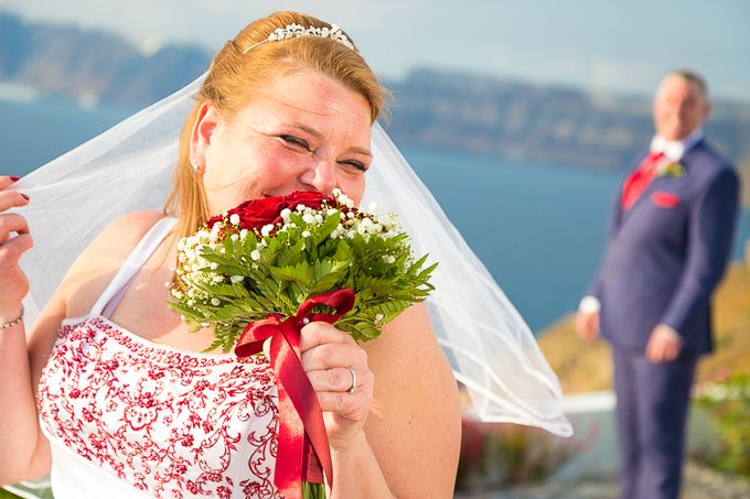 Beach wedding in Santorini by Red Knot Weddings & Events - 009