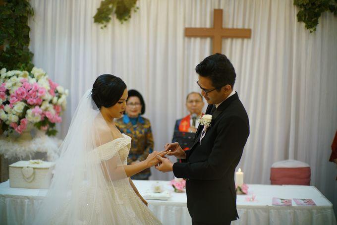 Adri & Teresia Wedding by deVOWed Wedding & Event Planner - 009