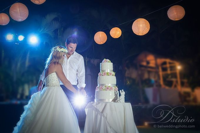 Tracey and Steve Wedding Day at The Istana Uluwatu by D'studio Photography Bali - 040
