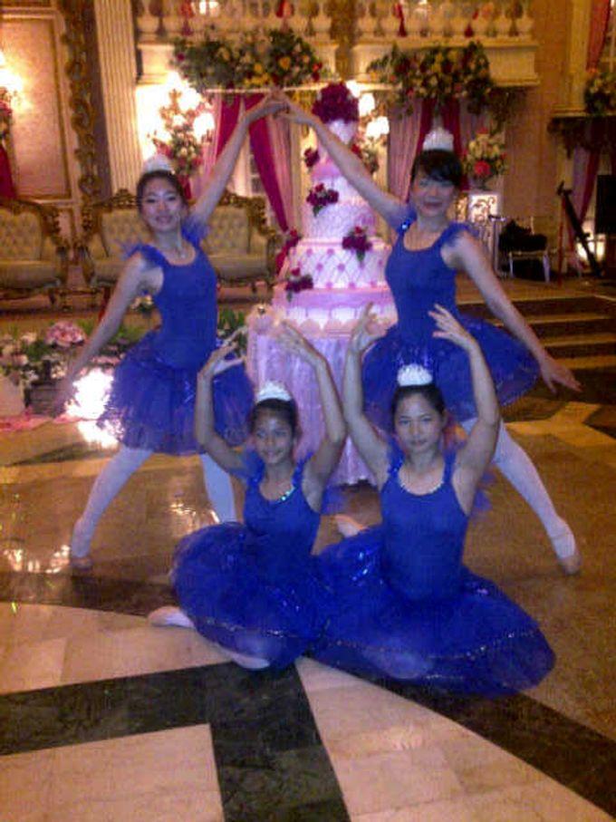 Dancer by Sparkling Organizer - 008