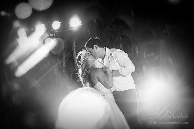 Tracey and Steve Wedding Day at The Istana Uluwatu by D'studio Photography Bali - 042